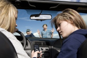 It's Time to Treat Texting Like Drunk Driving